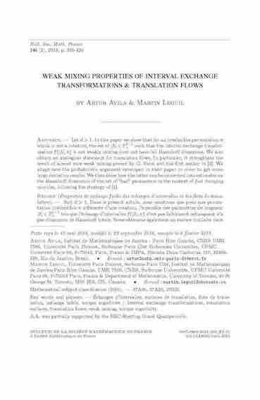 Propriétés de mélange faible des échanges d'intervalles et des flots de translation