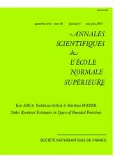 Estimations de la résolvante de Stokes dans les espaces des fonctions bornées