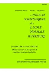 La conjecture de Durfee sur la signature des lissages des singularités des surfaces (avec un appendice de Tommaso de Fernex)