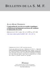 Construction de cocycles en escalier ergodiques et faiblement mélangeants au-dessus de rotations irrationnelles du cercle