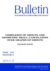 Complexes de groupes et petite simplification géométrique sur les graphes de groupes