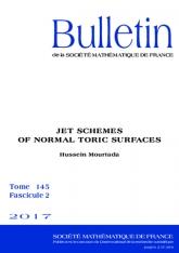 Espaces de jets des surfaces toriques normales